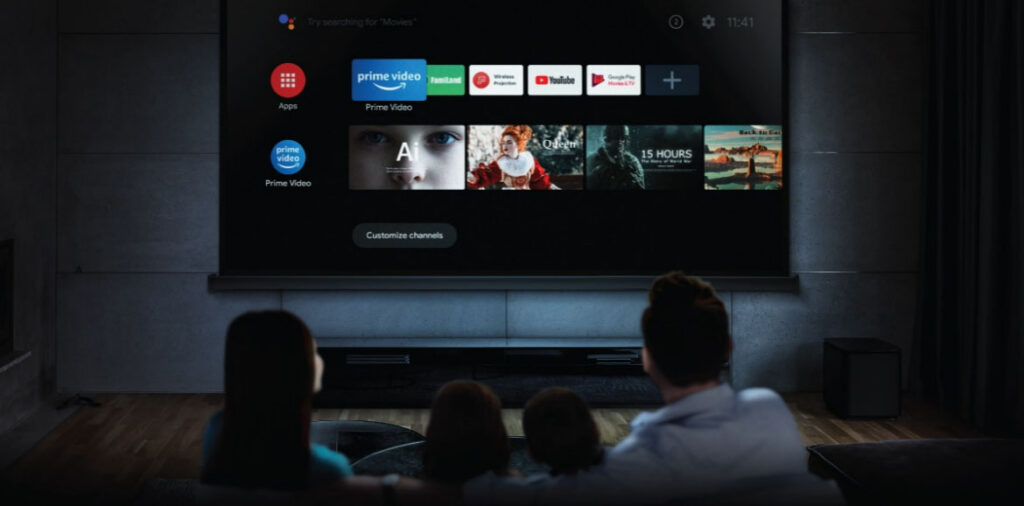 What is a Smart Projector and How to Choose the Right One?